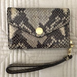 Michael Kors wristlet *Authentic*